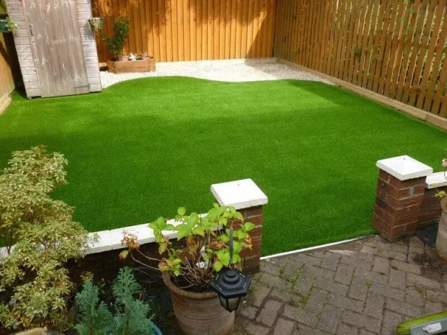 Real Grass vs Artificial Grass: Which one is the best for your home? - outside view