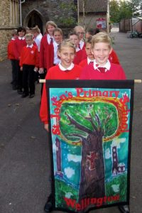Banner_with_pupils_1