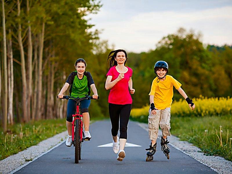 La familia hace ejercicio