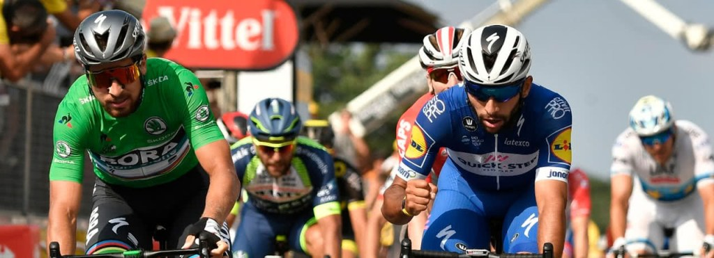 Fernando Gaviria y Peter Sagan llegando a la meta