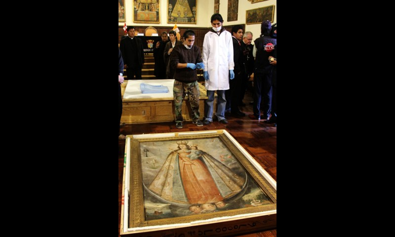 Arzobispado de Cusco recuperó lienzos religiosos y una custodia de plata