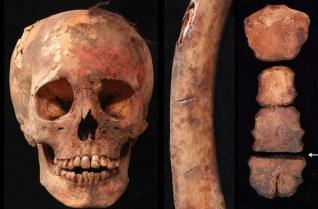 Las pruebas de estos sacrificios incluyen un cráneo teñido con pigmento rojo a base de cinabrio, una costilla humana con marcas de cortes y un esternón cortado por la mitad. FOTO DE JOHN VERANO