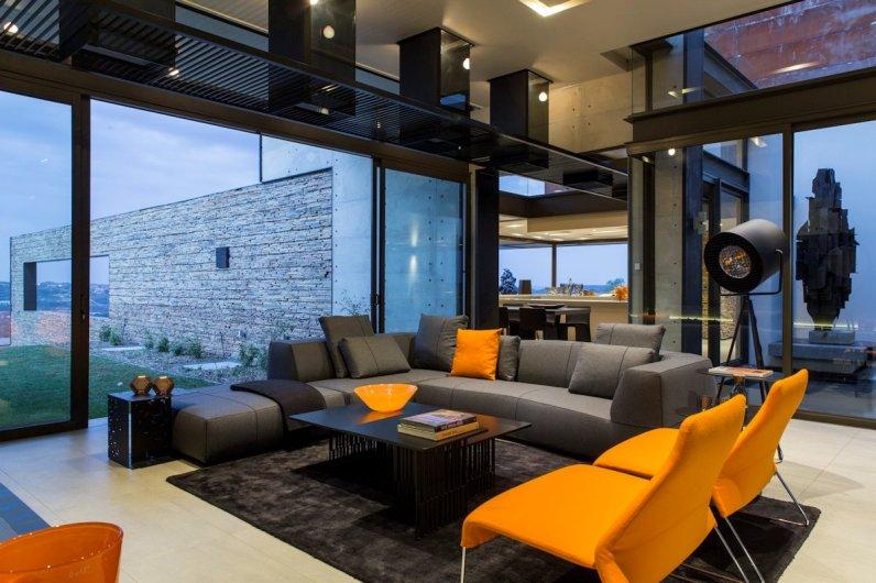 House Boz - Nico van der Meulen Architects