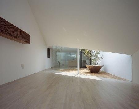 A Hill On A House - Yuko Nagayama & Associates