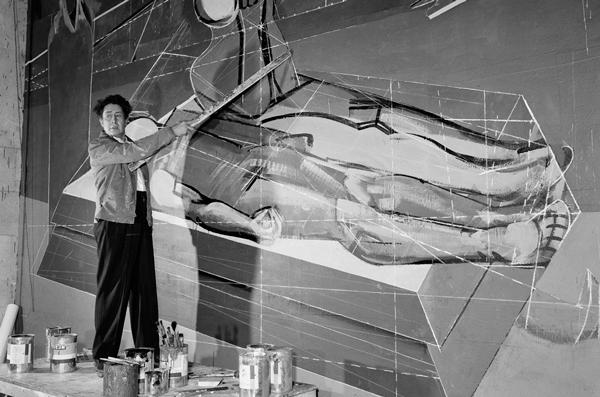 David-Alfaro-Siqueiros-pintando-el-mural-Tormento-de-Cuauhtémoc-inaugurado-el-23-de-agosto-de-1951-en-el-Palacio-de-Bellas-ArteX6