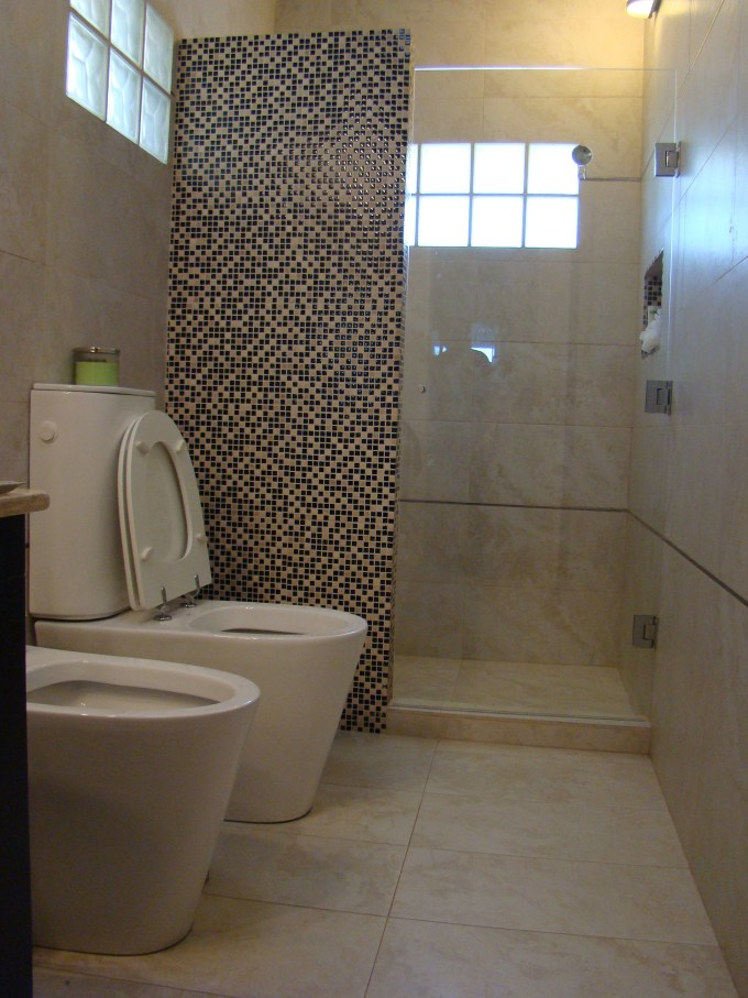 Construir un ba o econ mico es posible for Concreto de cera en los azulejos del bano