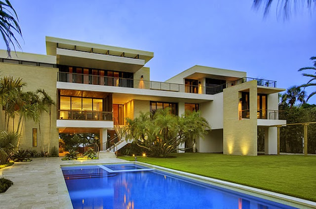 Casey Key Main House by Sweet Sparkman Architects