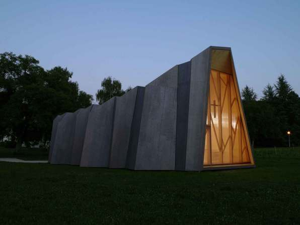 Temporary Chapel - Local Architecture