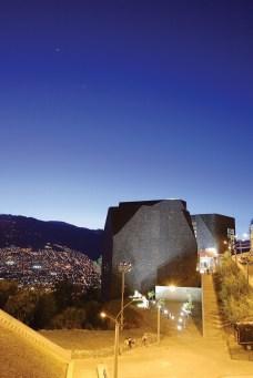 Biblioteca España - Giancarlo Mazzanti Arquitectos