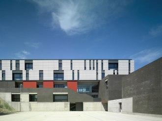 IES y Escuela de Hostelería en Plasencia - Landínez + Rey   equipo L2G arquitectos