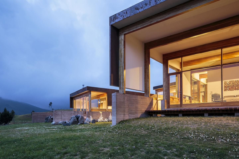 Casa Rumilahua - Lopez Lopez Arquitectos