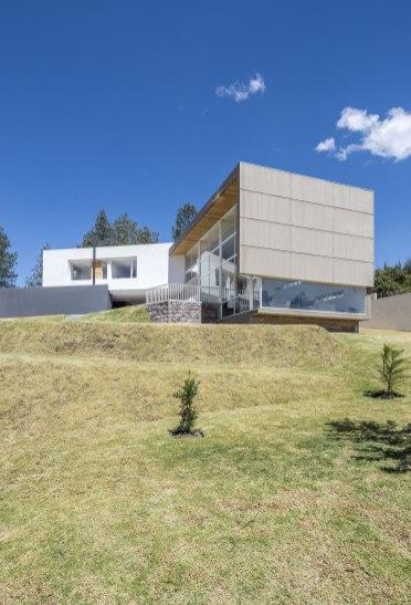 Casa en Quito - Bernardo Bustamante