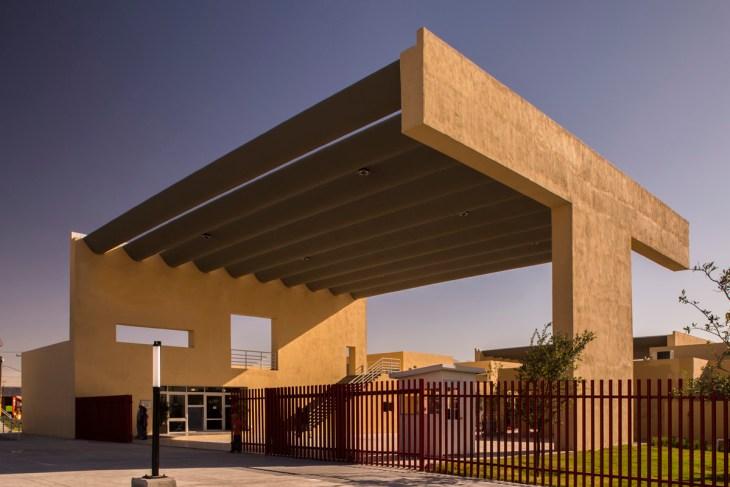 Macrocentro Comunitario San Bernabé - Pich-Aguilera Arquitectos
