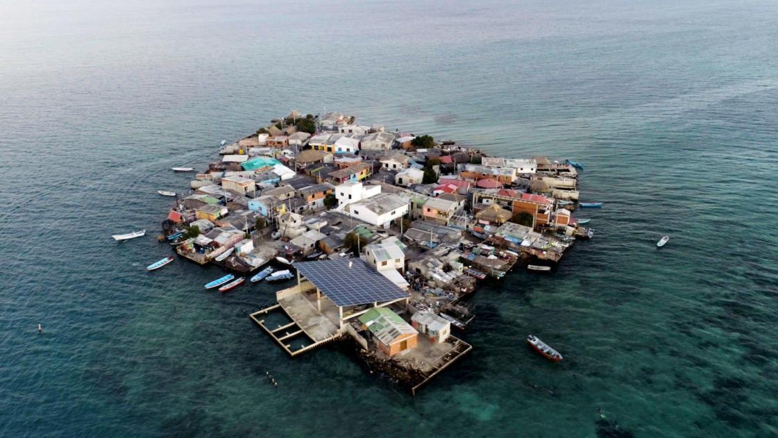https://i2.wp.com/www.arrajol.com/sites/default/files/2018/03/26/275121-tr-250318-most-crowded-island_0.jpg?resize=1121%2C631