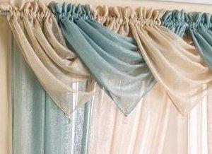 Semplice ed elegante mantovana celeste modello Casablanca con brillantini e nappa decorata di perline drappo in voile decorazione per finestre