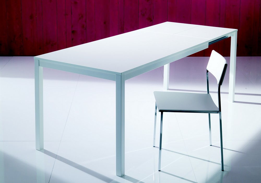 extendable magician table by bontempi