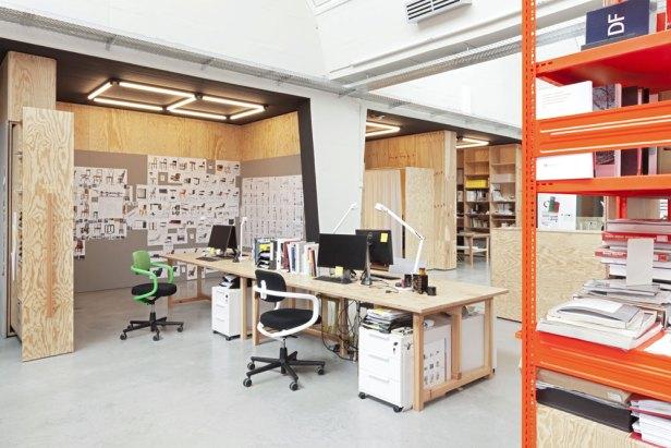 26_VDM_office_high