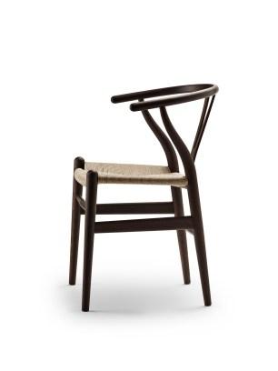 Wegner_CH24-Wishbone-Chair-Ancient-Oak_Side