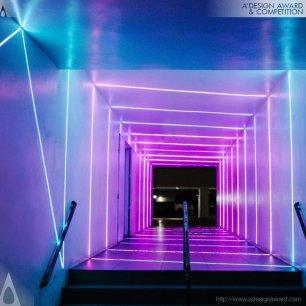 Portal Light Hallway di Akiko Yamashita
