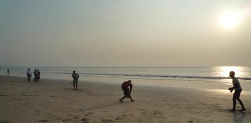 Playing cricket on Juhu beach