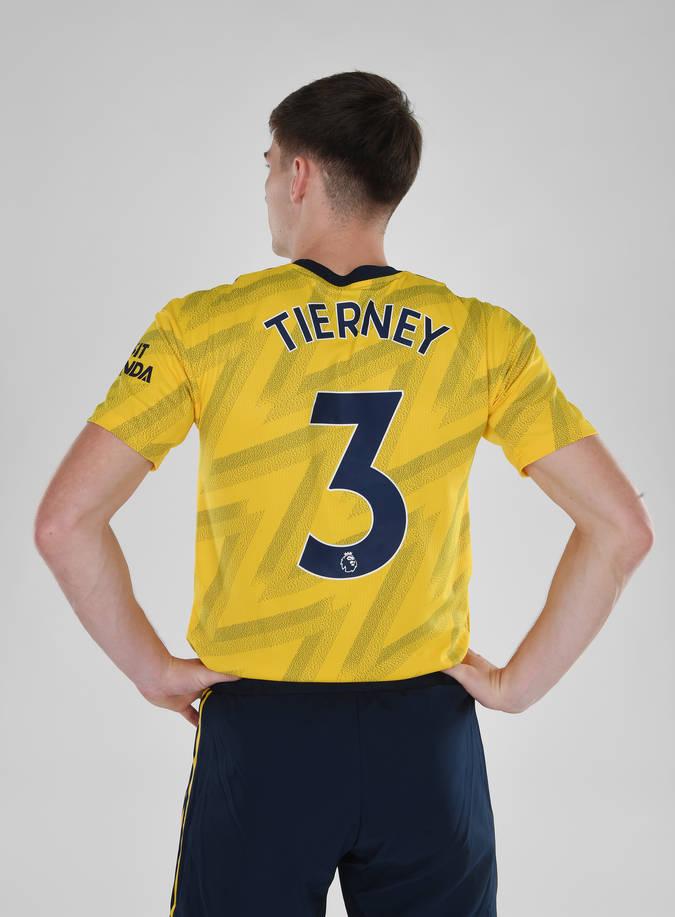 Rasmi-Kieran Tierney atua Arsenal