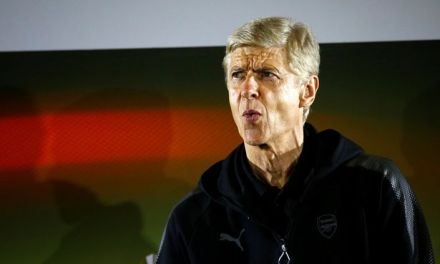 Arsene Wenger Says Arsenal are Already OUT of the Title Race