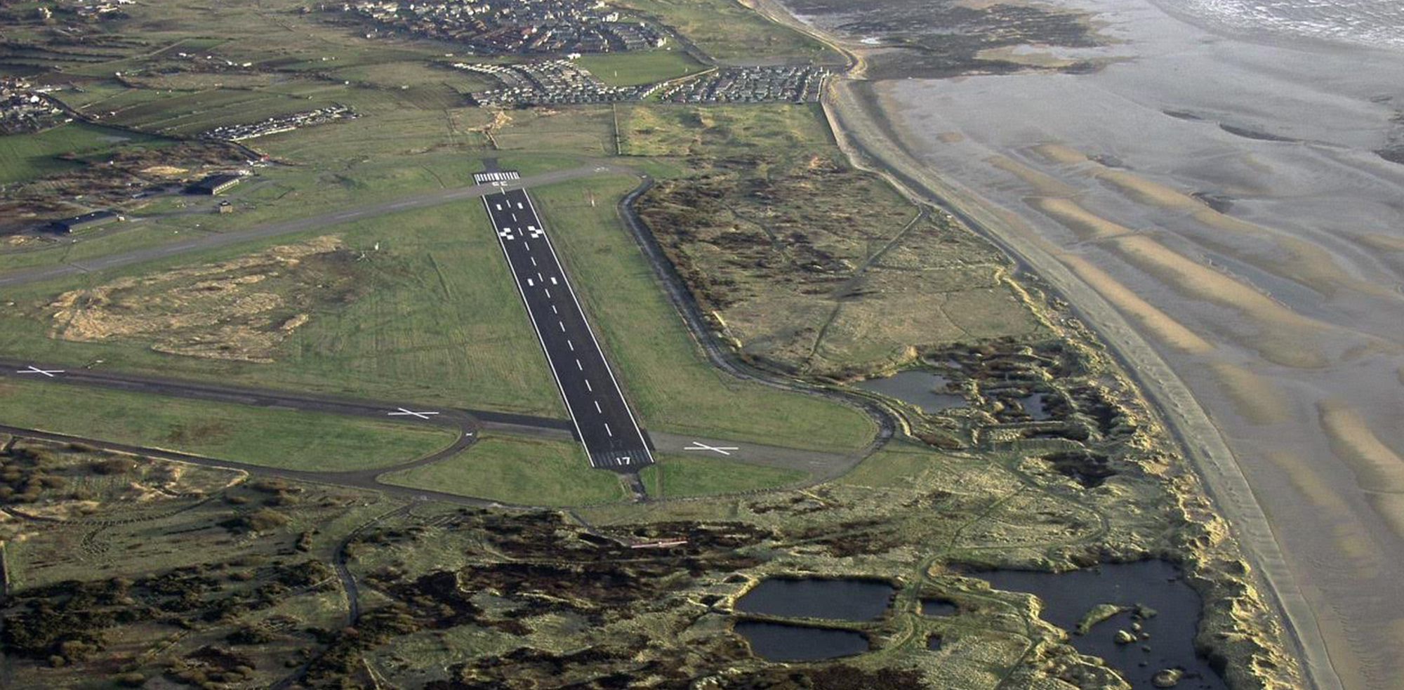 https://i2.wp.com/www.art-gene.co.uk/wp-content/uploads/2016/10/HEADER-FORT-WALNEY-Lawrence-Hill-2005-Aerial-Photos-of-the-North-Walney-National-Nature-Reserve.jpg?fit=2000%2C983