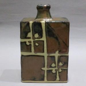 浜田庄司 柿釉抜絵角瓶