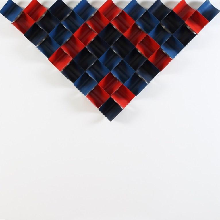 Ivan Picelj: CTS-I, 1966 - moduli di metallo dipinti di nero, rosso e blu su tavola dipinta di bianco, 90 × 90 × 7.5 cm   Photo: Damir Fabijani ć   Courtesy of Anja Picelj-Kosak and Ivan Picelj's Archives and Library, Museum of Contemporary Art Zagreb