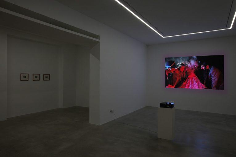 Tony Oursler. The Volcano and Poetics Tattoo, 2019 - installation view | courtesy Dep Art Gallery, Milano