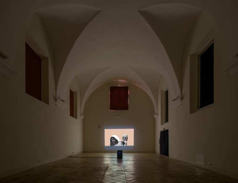 """NORA comunicazione: veduta della mostra """"Michael Rotondi. Ca' piogg' dint o' cor"""" del 2019 a Napoli"""