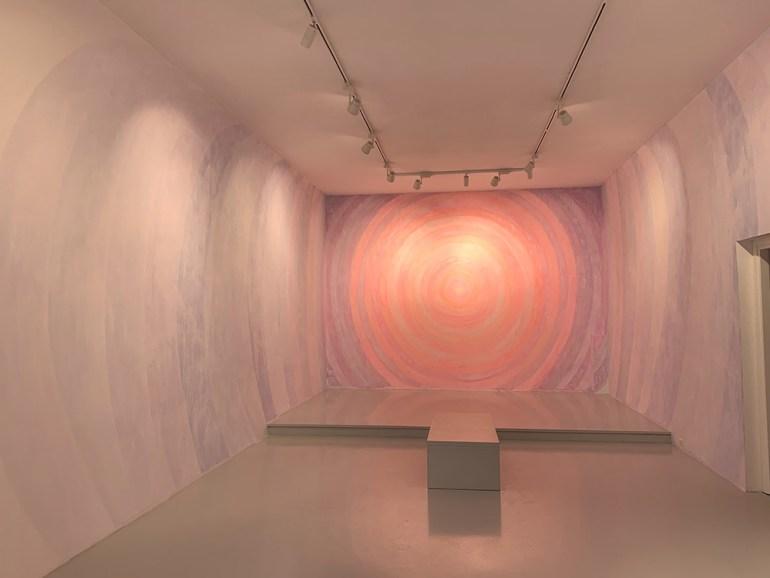 Alberto Di Fabio: Illuminazione, Paesaggi di una materia invisibile, 2020 – wall painting Galleria Luca Tommasi