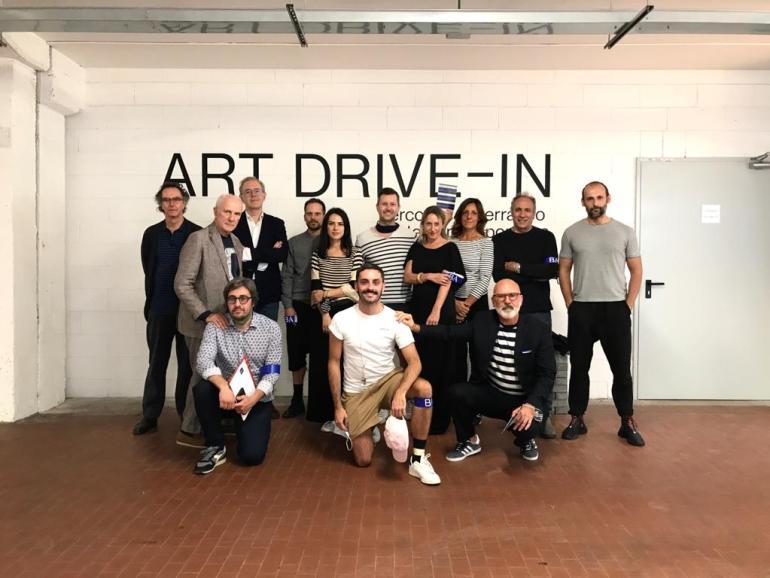Art Drive-In: ritratto di gruppo di BELLEARTI