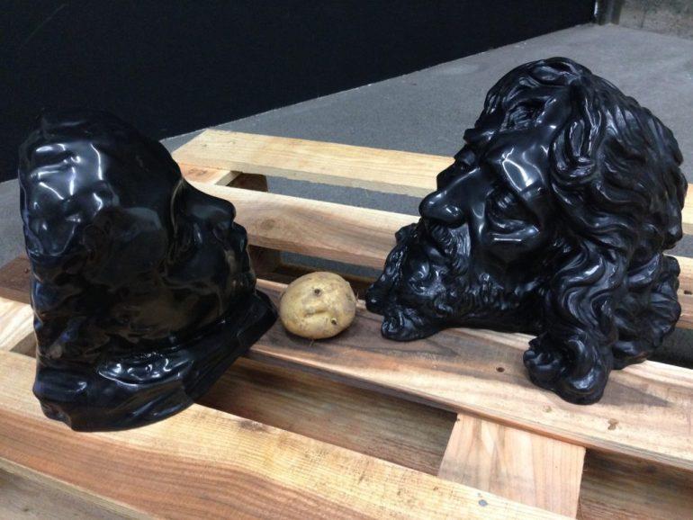Michelangelo Consani: Nove elefanti bianchi e una patata, 2014 - SIDE2 Gallery, Tokyo.