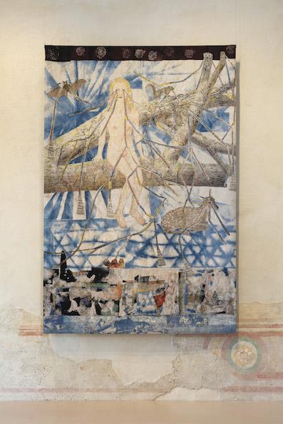 Kiki Smith: Congregation (Girl with forest animale) (2014) tappeto jacquard. Fantastic Utopias, Rocca di Angera 2020