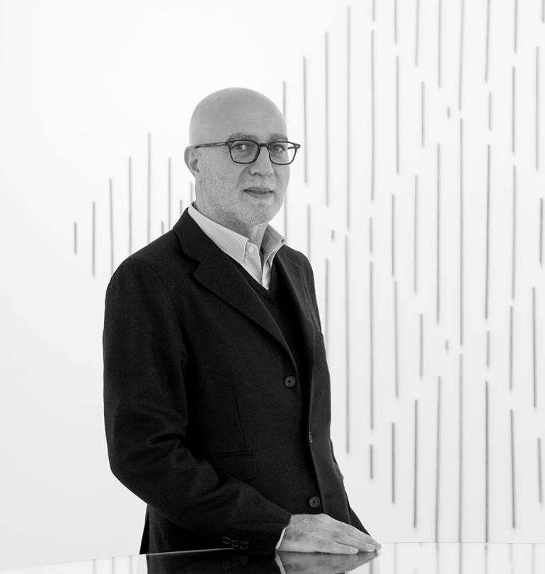 Moshe Tabibnia, fondatore di Galleria Moshe Tabibnia e BUILDING, Milano