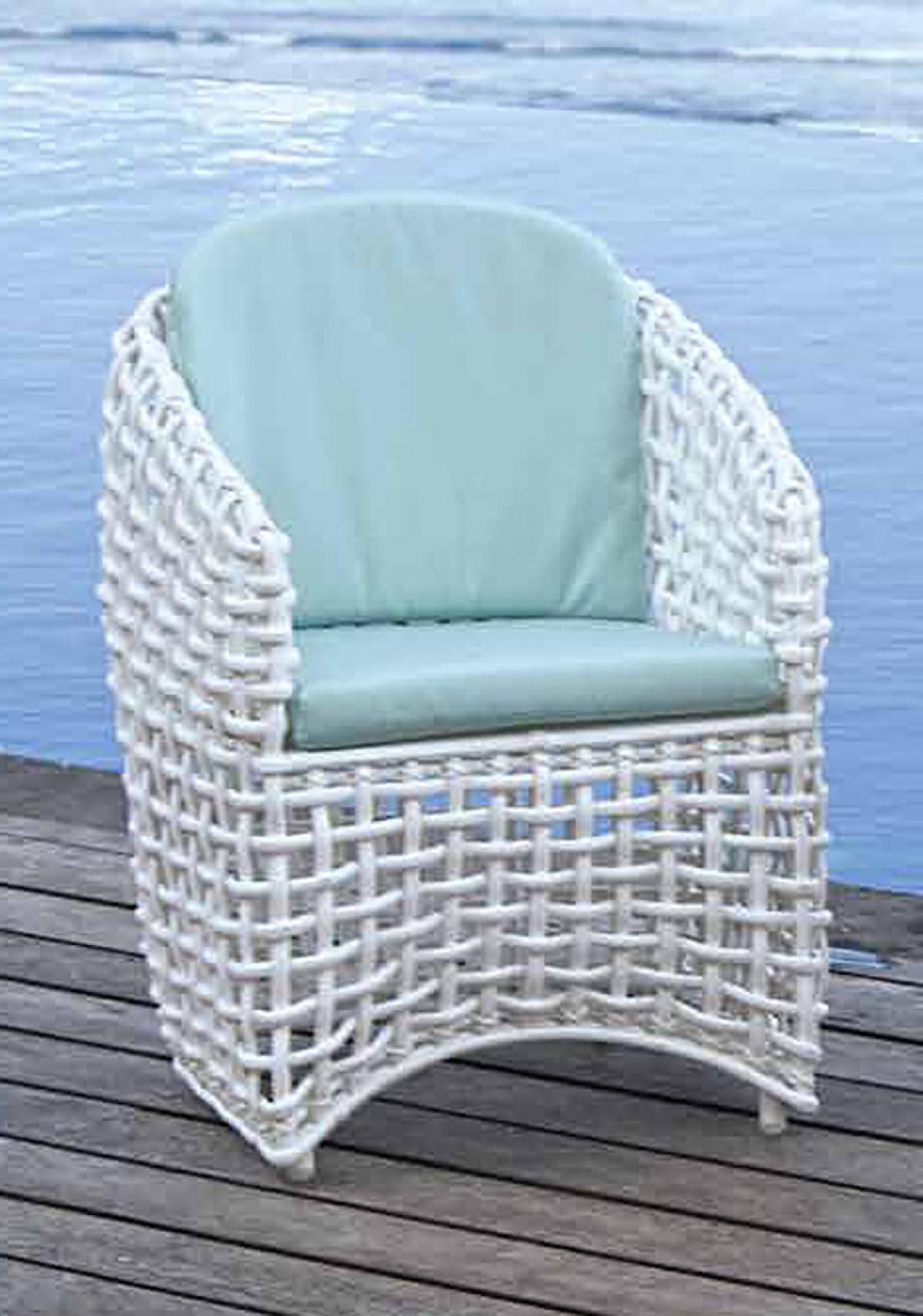 fauteuil exterieur resine blanche avec coussins hydrofuge royo de lusso