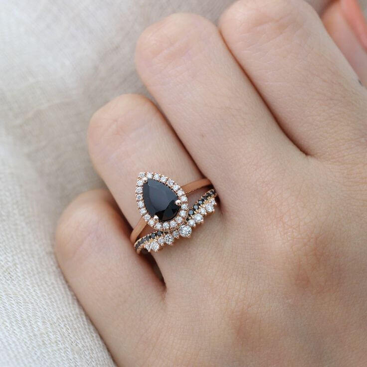 A Guide on How Best to Wear a Pear Shaped Diamond Ring