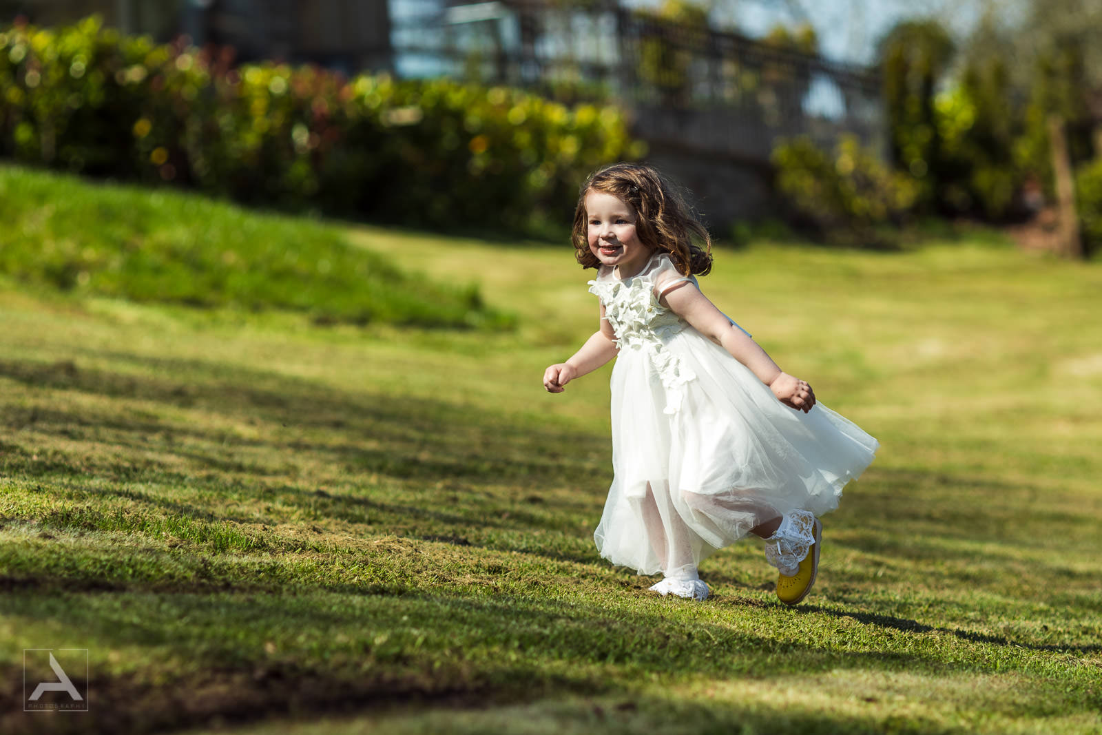 Flower girl - Canada Lodge & Lake Wedding Photography