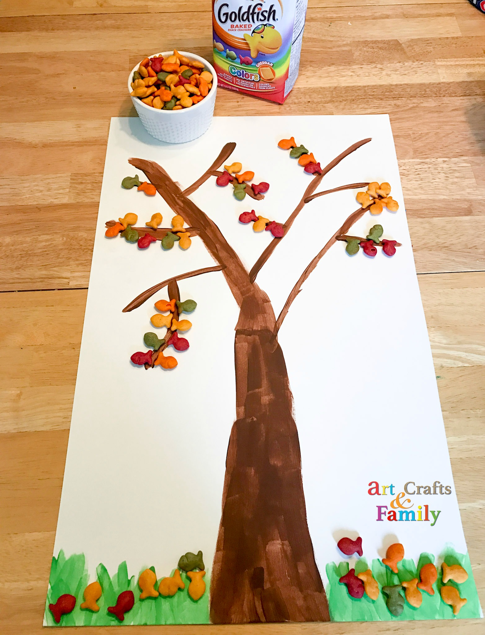 Make a Goldfish Cracker Fall Tree