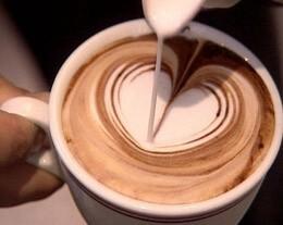 como-hacer-figuras-con-arte-latte