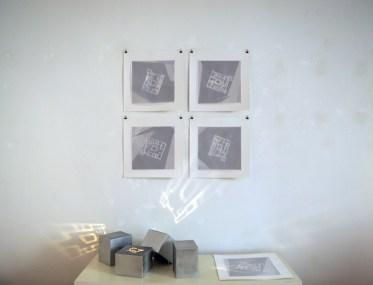 Confluenti, 2016, cm 50x50 ciascuno, assemblaggio di immagine su carta cotone, organza e filo di cotone; cm 25x25x20 ciascuno, zinco saldato a stagno, legno e luci led