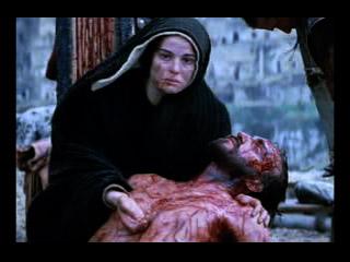 Jesús en los brazos de María Santísima.