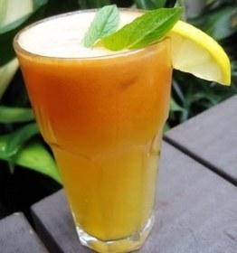 Jugo de Piña, Naranja, Limón y Zanahoria para Combatir la Deshidratación