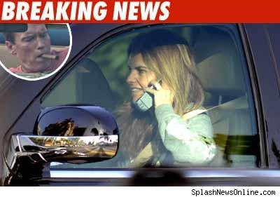 Maria Shriver Scharzenegger conduciendo y hablando
