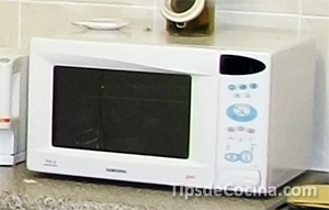 Materiales incompatibles con el microondas