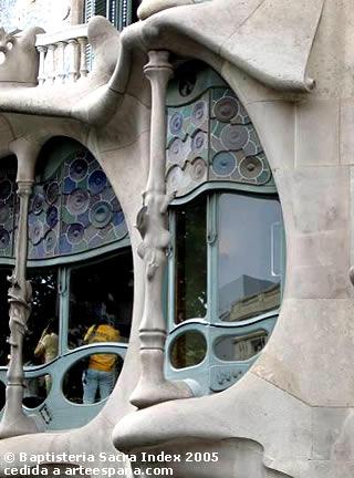 Resultado de imagen de tipos de columnas modernistas gaudí