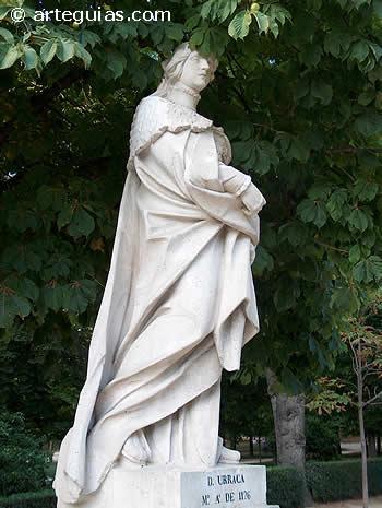 Doña Urraca. Estatua en el Parque del Retiro de Madrid