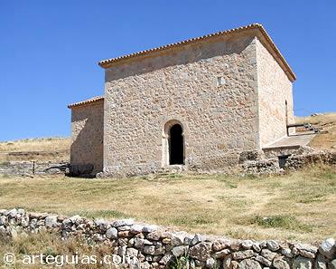 Ermita de San Baudelio vista desde el norte