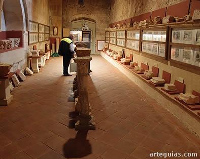 Museo lapidario muy interesante, con numerosas piezas de diferentes épocas